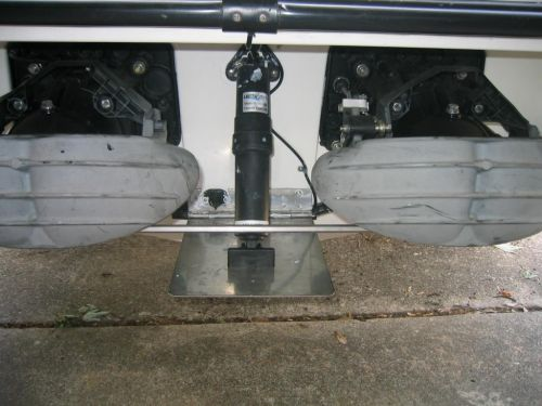 This is the Trim Tab mounted in the cnter of my 97 Speedster