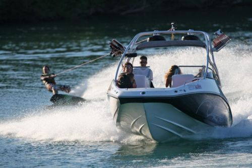 2009Sea-Doo230WAKE-Action.jpg