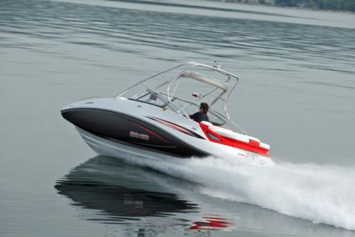 2009Sea-Doo230ChallengerSP-Action12.jpg