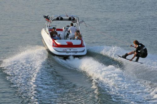2009Sea-Doo230WAKE-Action2.jpg