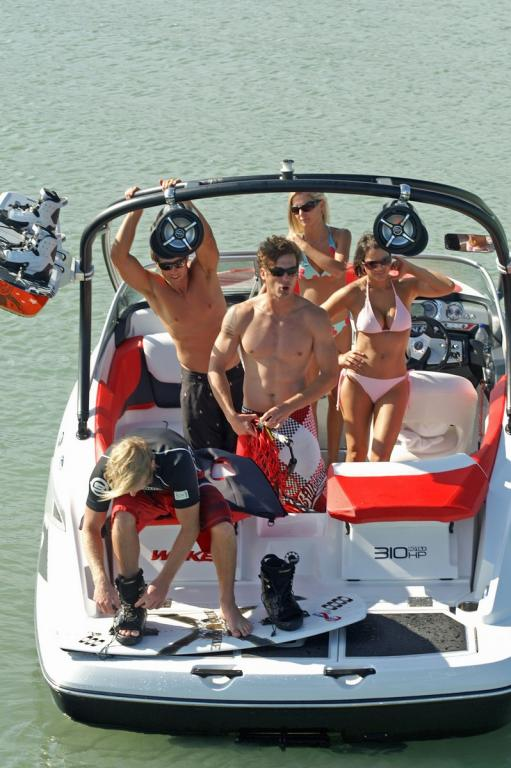 2010 Sea-Doo 210 WAKE sport boat - on-water (11).jpg