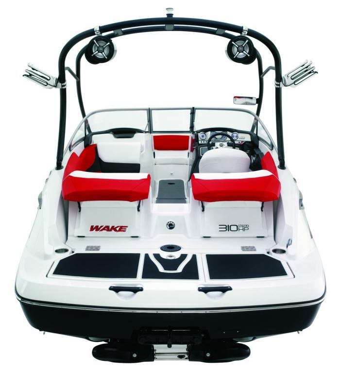 2010 Sea-Doo 210 WAKE sport boat studio - rear.jpg