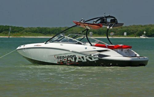 2010 Sea-Doo 210 WAKE sport boat - on-water (18).jpg