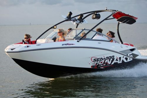 2010 Sea-Doo 210 WAKE sport boat - on-water (10).jpg