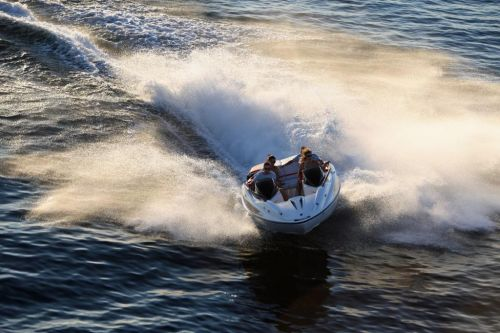 2010 Sea-Doo 200 Speedster sport boat - on-water (5).jpg