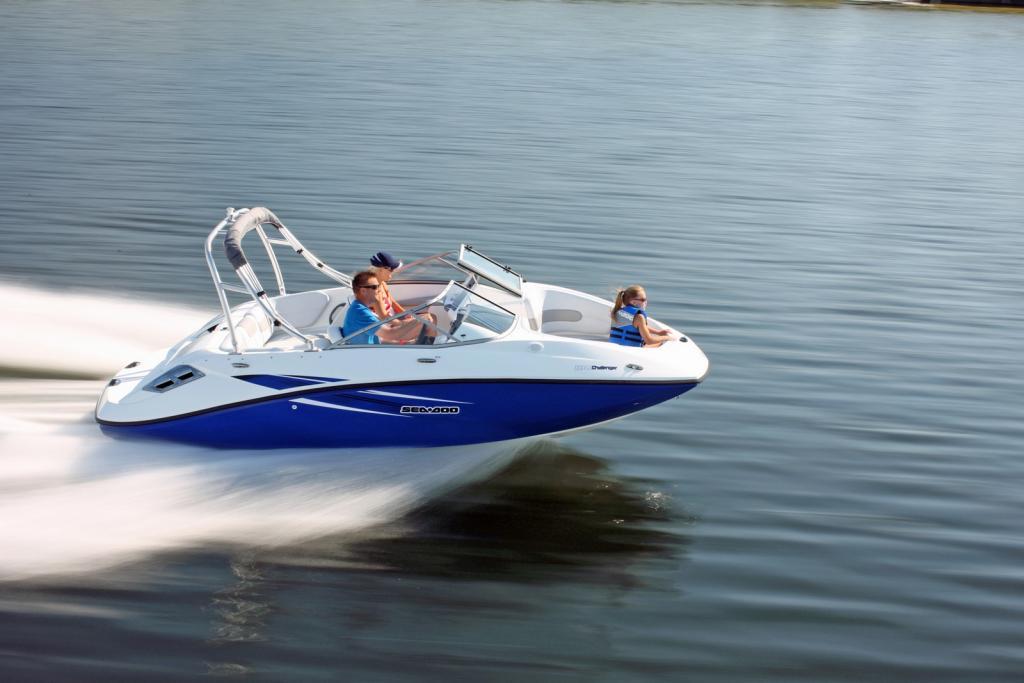 2010 Sea-Doo 180 Challenger sport boat - on-water (12).jpg