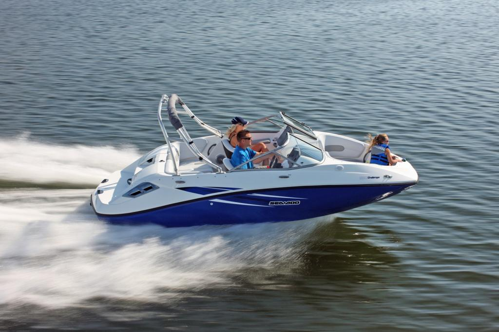 2010 Sea-Doo 180 Challenger sport boat - on-water (13).jpg