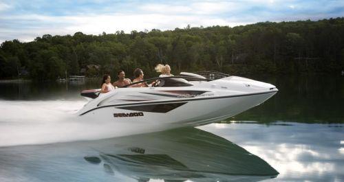 2010 Sea-Doo 200 Speedster sport boat - on-water (1).jpg