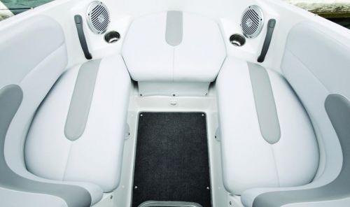 Chall 180 SE Bow Seat 10.jpg