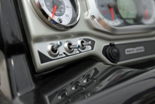 2010 Sea-Doo 210 Challenger - Switches.jpg