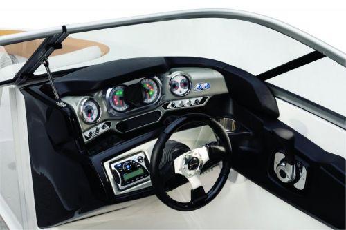 2010 Sea-Doo 210 Challenger - Studio helm 2.jpg
