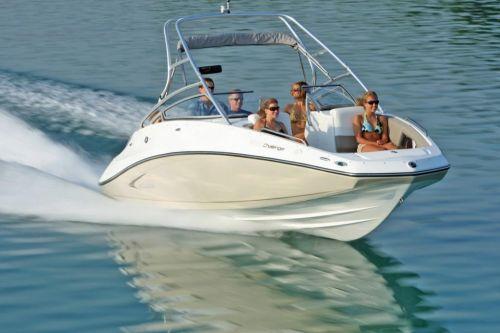 2010 Sea-Doo 230 Challenger SE sport boat - on-water (13).jp
