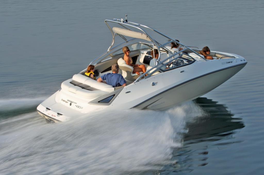 2010 Sea-Doo 230 Challenger SE sport boat - on-water (11).jp