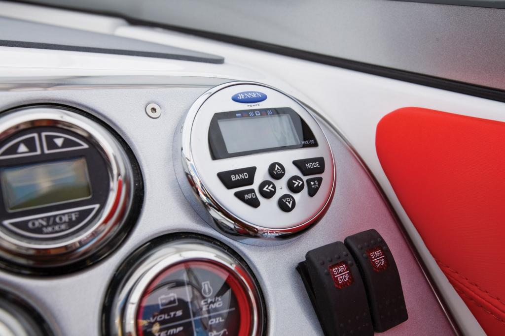 2010 Sea-Doo 230 Challenger SP - Stereo Remote.jpg