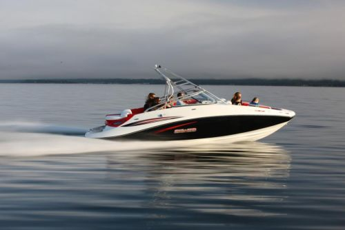 2010 Sea-Doo 230 Challenger SP sport boat - on-water (6).jpg