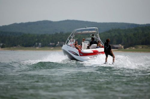2010 Sea-Doo 230 Challenger SP sport boat - on-water (1).jpg