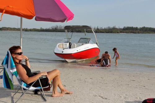 2011 Sea-Doo 180 Challenger Boat - Lifestyle.JPG