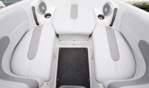 2011 Sea-Doo 180 Challenger Boat - Details Bow.jpg