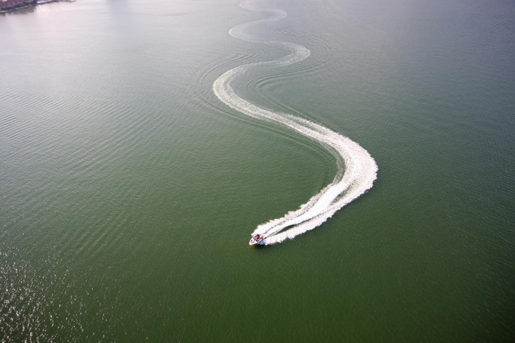 2011 Sea-Doo 210 SP Boat - Action (8).JPG
