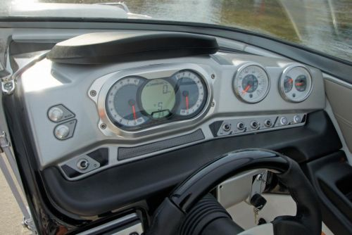2011 Sea-Doo 230 SP Boat - Details Helm.JPG