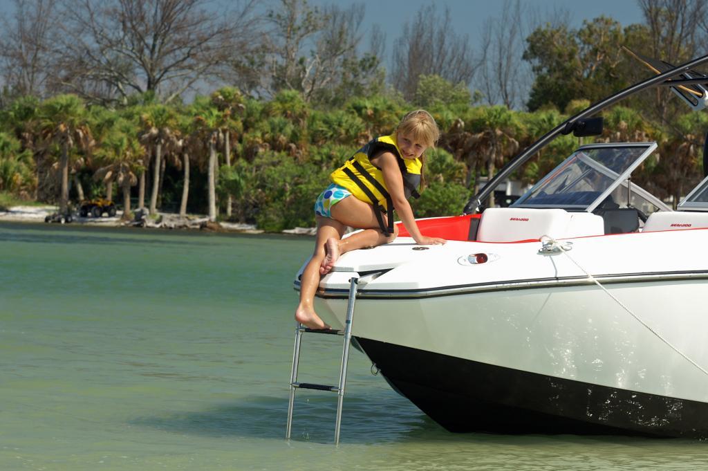 2011 Sea-Doo 210 WAKE  Boat -  Details - bow ladder 2.JPG