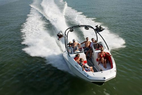 2011 Sea-Doo 230 WAKE Boat - Action (2).JPG