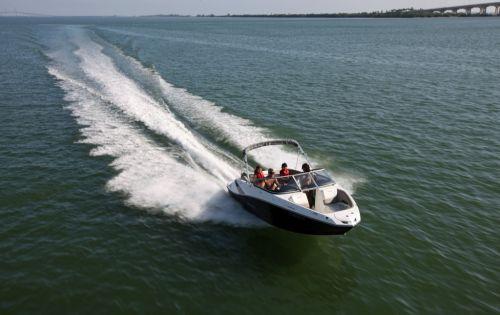 2012 Sea Doo 210 Challenger Boat   Action (1)