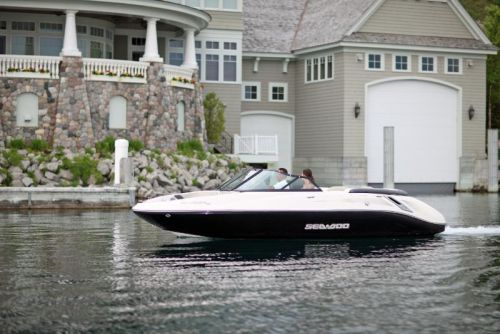 2009Sea-Doo205Utopia-Action1.jpg