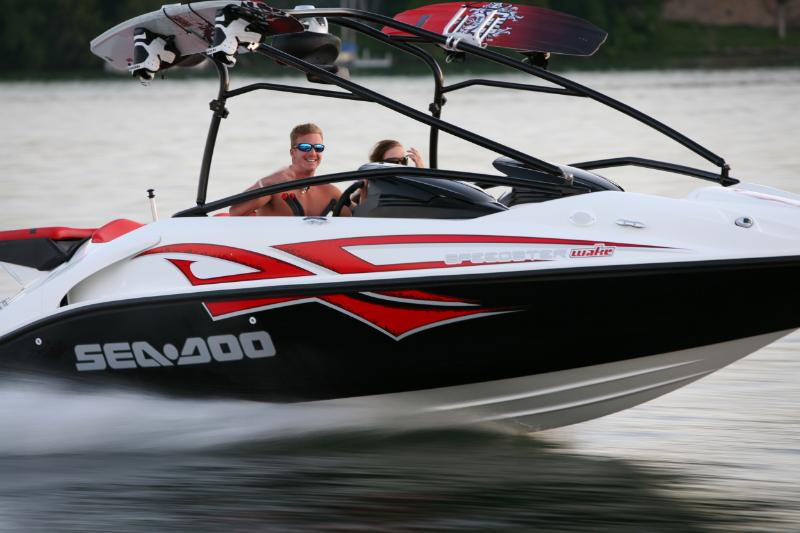 2009Sea-DooSpeedsterWake-Action1.jpg