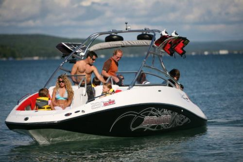 2009Sea-Doo230WAKE-Action12.jpg