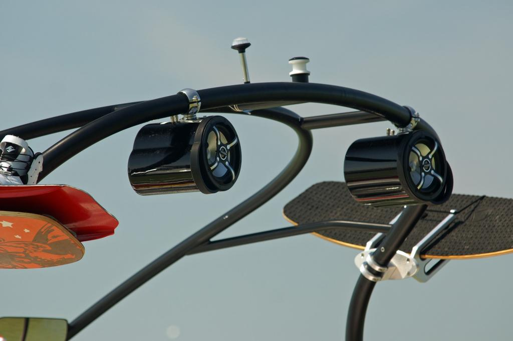 2010 Sea-Doo 210 WAKE Sport Boat -  Details - Tower features
