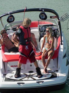 2010 Sea-Doo 210 WAKE sport boat - on-water (3).jpg