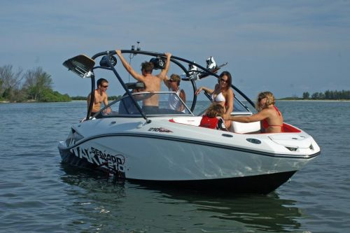 2010 Sea-Doo 210 WAKE sport boat - on-water (17).jpg