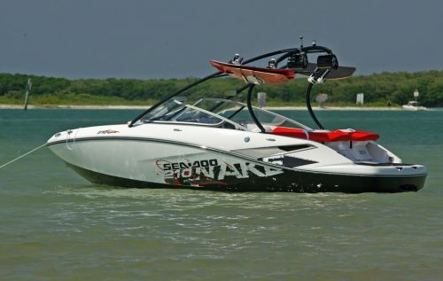 2010 Sea-Doo 210 WAKE sport boat - on-water (18).jpg