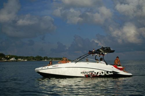 2010 Sea-Doo 230 WAKE sport boat - static (2).jpg