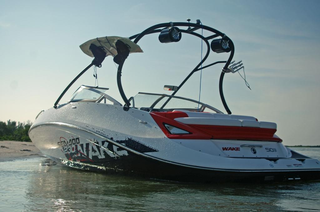 2010 Sea-Doo 230 WAKE sport boat - static.jpg