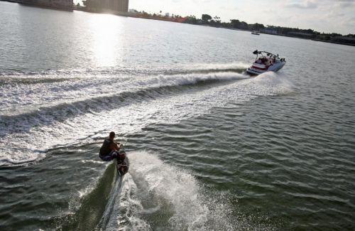 2010 Sea-Doo 230 WAKE sport boat - On-Water (10).jpg