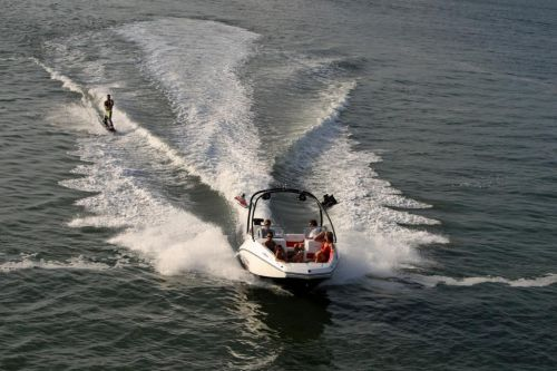 2010 Sea-Doo 230 WAKE sport boat - On-Water (4).jpg