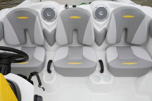 2010 Sea-Doo 150 Speedster - Seating.jpg