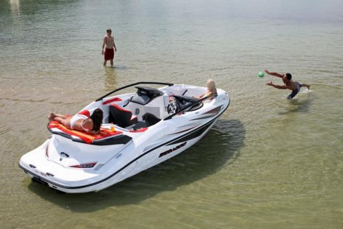 2010 Sea-Doo 200 Speedster - Lifestyle (4).jpg