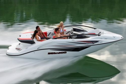 2010 Sea-Doo 200 Speedster sport boat - on-water (7).jpg