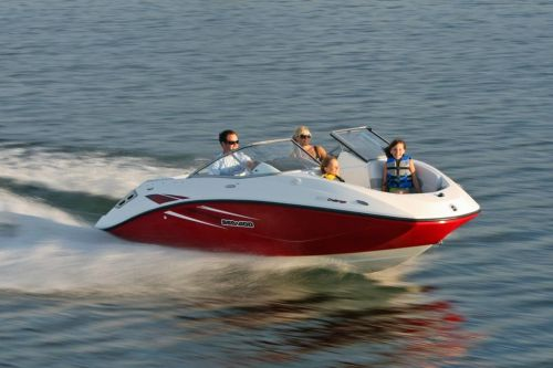 2010 Sea-Doo 180 Challenger sport boat - on-water (3).jpg