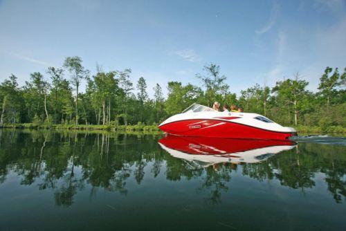 2010 Sea-Doo 180 Challenger sport boat - on-water (10).jpg