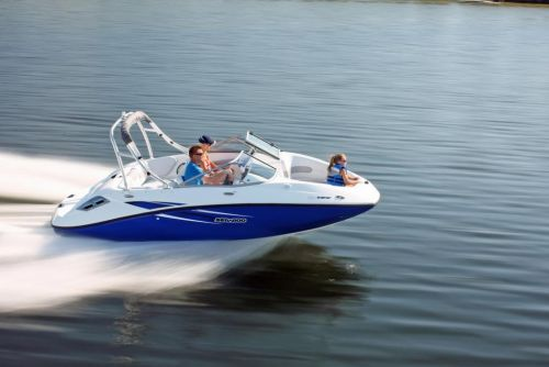 2010 Sea Doo 180 Challenger Sport Boat On Water 12 Jpg