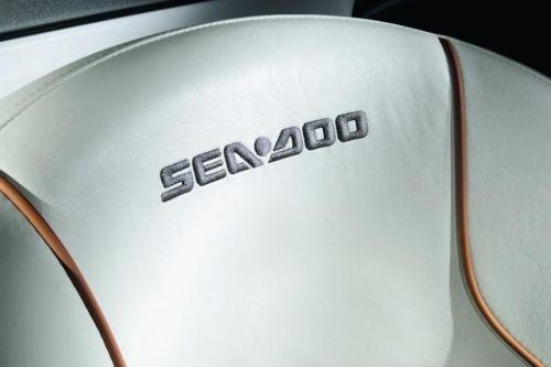 2010 Sea-Doo 210 Challenger - Studio Stiching.jpg