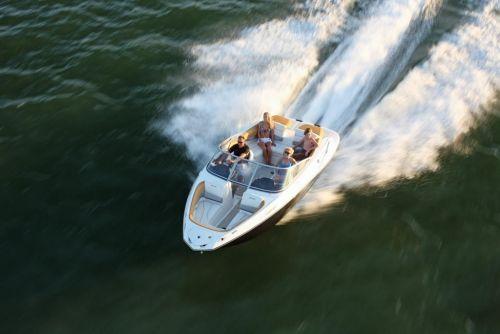 2010 Sea-Doo 210 Challenger - on-water 3.jpg