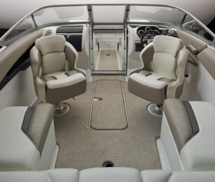 2010 Sea-Doo 230 Challenger SE - cockpit studio.jpg