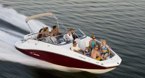 2010 Sea-Doo 230 Challenger SE sport boat - on-water (4).jpg