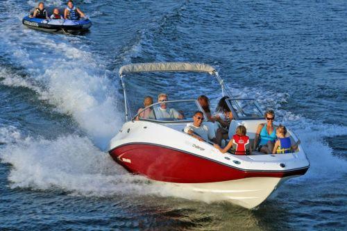 2010 Sea-Doo 230 Challenger SE sport boat - on-water (8).jpg