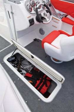 2010 Sea-Doo 230 Challenger SP - Ski Locker.jpg